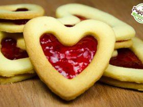 Biscuitei inimioara cu gem